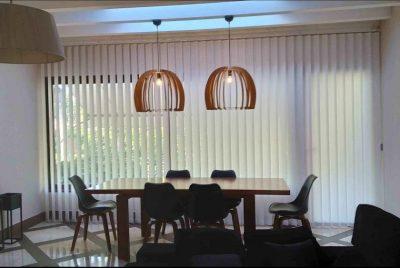 cortina de lamas verticales a medida