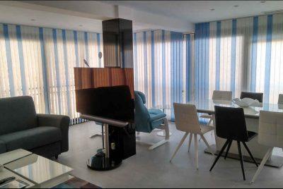 cortinas verticales en color coordinado